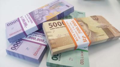 Rupiah Rp13.871 USD, Melemah 111 Poin di Awal Pekan