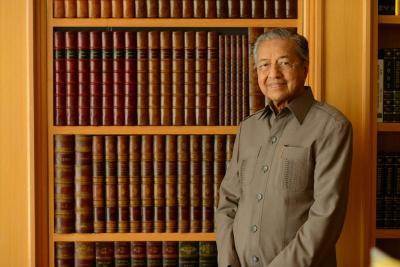 Mundur dari PM Malaysia, Intip Tips Awet Muda ala Mahathir Mohamad
