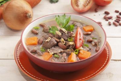 Cuaca Dingin, Makan Malam Santap Sup Ayam Kacang Merah Yuk!