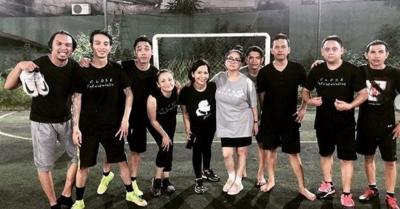 Buktikan Eksistensi, Ikmal Tobing Seru-Seruan Main Futsal