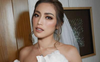 Pesona Jessica Iskandar Berbalut Gaun Pengantin Putih