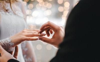 Dampak Virus Corona, Pernikahan Impian Jadi Tertunda