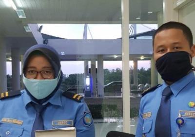 Petugas Bandara Soekarno-Hatta Diwajibkan Kenakan Masker Kain