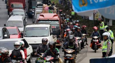 PNS Nekat Mudik, Sanksinya Pangkat Diturunkan dan Penundaan Naik Gaji