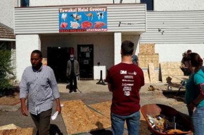 Aksi Heroik Pedagang Muslim Selamatkan Toko dari Penjarahan di Minneapolis