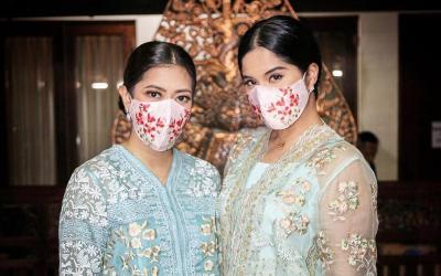 Potret Cantik Annisa Yudhoyono dan Aliya Rajasa Pakai Masker Bunga Flamboyan