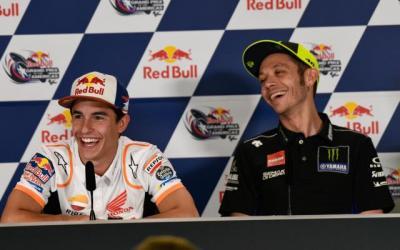 Marquez Ingin Rossi Tetap Membalap di MotoGP 2021
