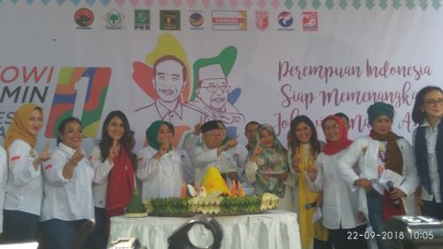 Didukung Perempuan Indonesia, KH Ma'ruf Amin: Hidup Ibu-Ibu!