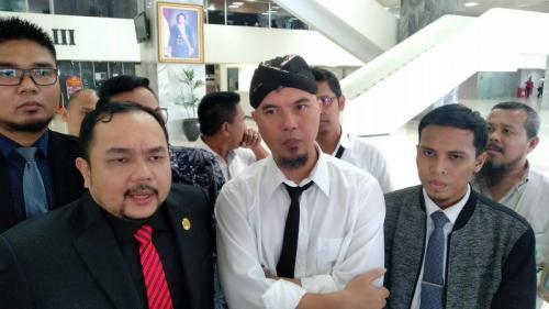 Belum Siap, Pleidoi Lisan Ahmad Dhani Ditunda