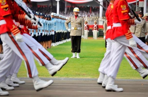 HARI MERDEKA: Upacara Dimulai, Ini Susunan Petugas Penurunan Bendera Merah Putih di Istana Merdeka